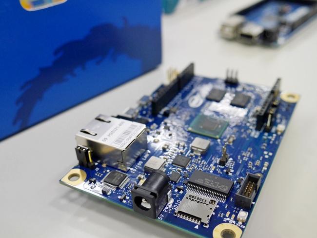 高速プロトタイピング向きマイコン「Intel Galileo」