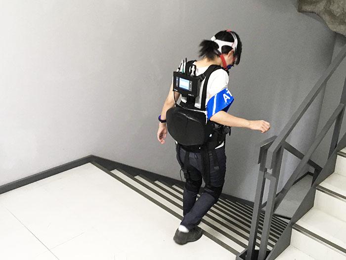 【実証実験インタビュー】歩行支援用パワードウェア『HIMICO』の階段でのアシスト効果の検証